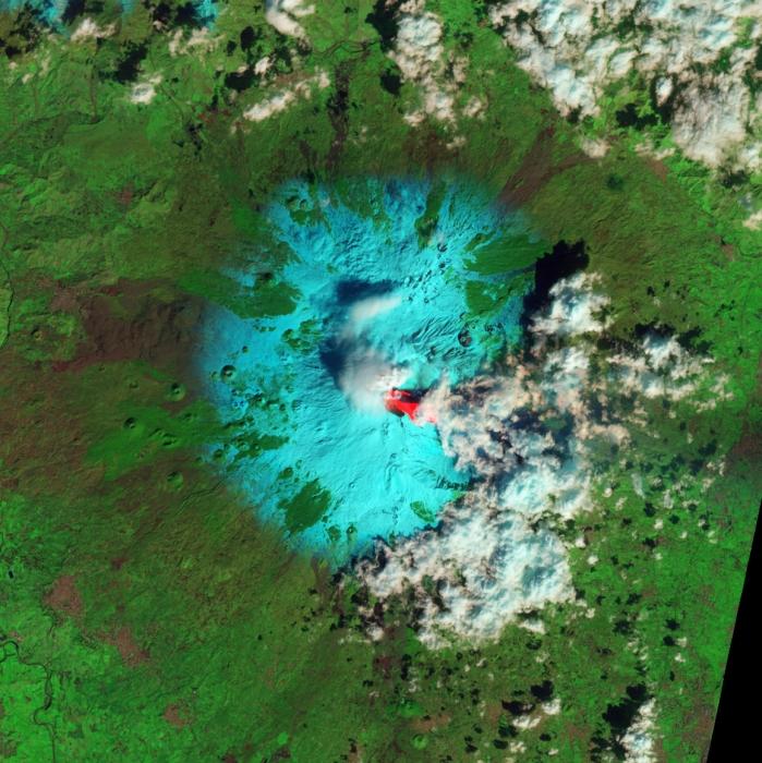 Volcán Etna en erupción