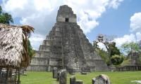 Imagen del Templo I, en la ciudad maya de Tikal.