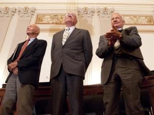 De izquierda a derecha, Michael Collins, Neil Armstrong and Buzz Aldrin, tripulantes del 'Apollo 11′, durante un homenaje en el Capitolio, en 2009.
