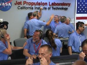 El equipo de la NASA, tras el aterrizaje.
