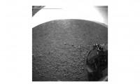 Una de las primeras imágenes enviadas por 'Curiosity' desde Marte.