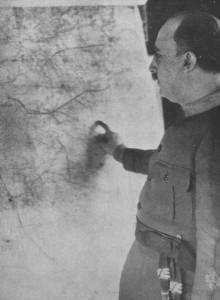 Fotografía de Franco en el primer número de la Revista Geográfica Española
