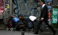 Una persona sin hogar, en el centro de Madrid