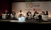 Imagen de la mesa redonda de la Iniciativa Vive, ayer en Madrid.