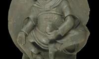 La estatua robada por los nazis en el Tíbet, con la esvástica en el pecho