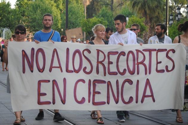 Manifestación contra los recortes en ciencia en Sevilla, el pasado mayo.