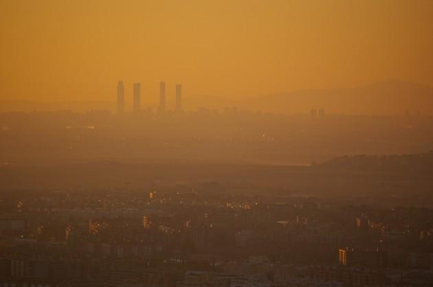 Una imagen de Madrid cubierta por la polución.