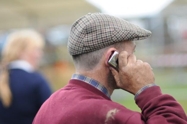 Se calcula que en el mundo hay 6.000 millones de usuarios de telefonía móvil