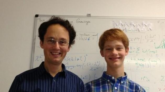 Rodrigo Ibata y su hijo Neil, coautores del estudio de portada de 'Nature'