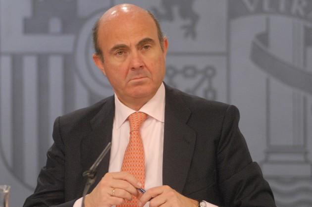 El ministro de Economía y Competitividad Luis de Guindos, en la rueda de prensa posterior al Consejo de Ministros.