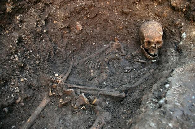Supuestos restos de Ricardo III hallados en el aparcamiento de Leicester