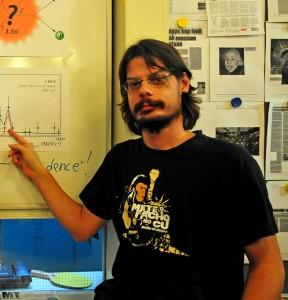 Diego Martínez Santos, con su camiseta de 'El planeta de los simios'