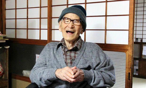 El antiguo cartero japonés Jiroemon Kimura, cuando tenía 115 años