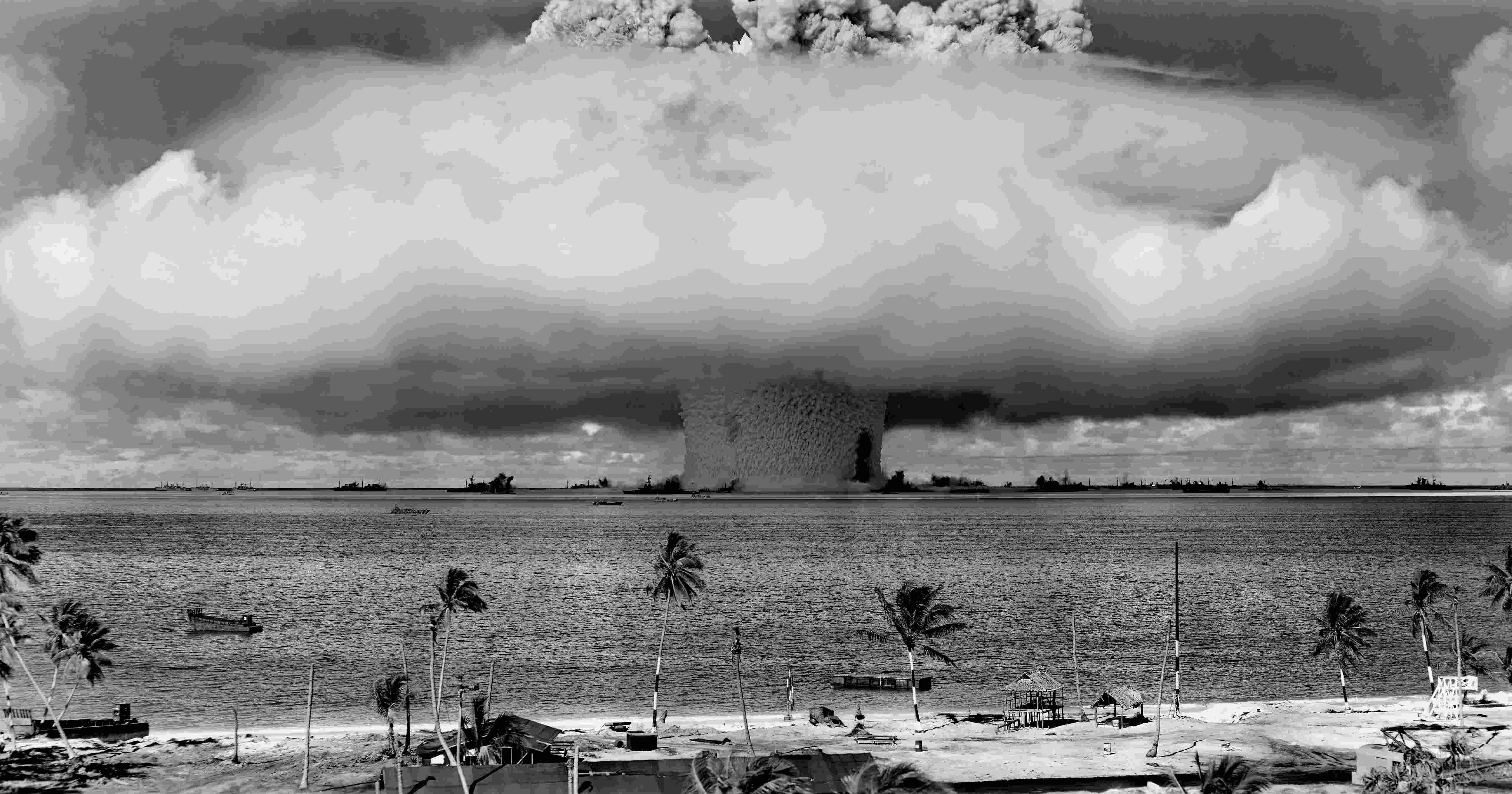 Resultado de imagen para la bomba atomica
