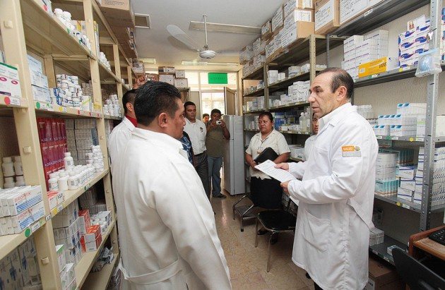 En las farmacias de los hospitales conviven medicamentos genéricos y de marca