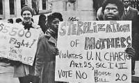 Protesta contra las leyes de esterilización en Louisville (EEUU), en 1971