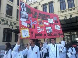 Foto de la concentración contra los recortes en ciencia, realizada en Valencia el pasado 19 de diciembre.