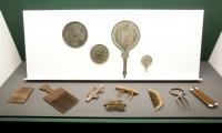 Peines y espejos de diferentes civilizaciones
