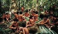 Un grupo yanomami en el lado brasileño de la frontera