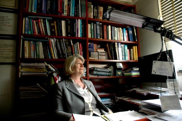 María Teresa Miras, en su despacho de la Facultad de Veterinaria de la UCM