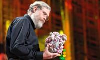 El profesor de genética George Church, durante una charla en 2010