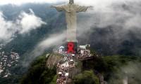 Lazo rojo contra el sida en el Cristo Redentor de Río de Janeiro, en 2007