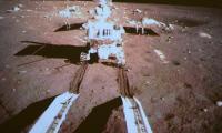 El robot Conejo de Jade se despliega sobre la Luna.