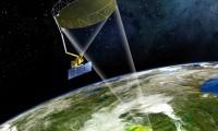 Recreación del proyecto SMAP sobrevolando la Tierra.
