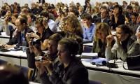 Periodistas atienden a una sesión de la reunión de Naciones Unidas sobre el cambio climático de Copenhague en 2009.