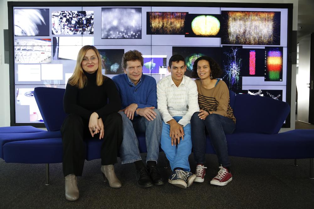 Kamila, Henry, Kai y Anat Markram.