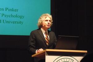 Pinker, durante una conferencia.