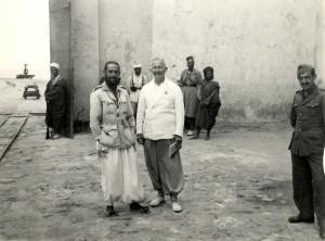 Eugenio Morales (izquierda) en 1943 en Cabo Juby, al sur de Marruecos