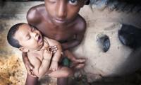 Dos niños en los suburbios de Dhaka, capital de Bangladesh