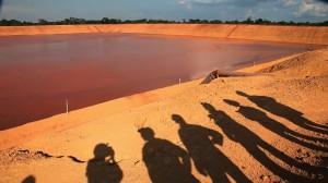 Balsa de residuos de bauxita de la mina de Alcoa en Juriti (Pará).