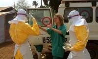 Un equipo de Médicos Sin Fronteras llega a una zona de Guinea afectada por el ébola