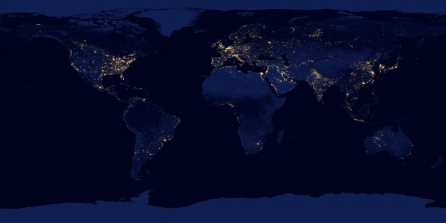 Mapa de la Tierra desde el cielo por la noche