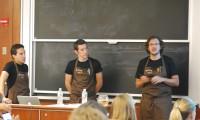 Los chefs durante el evento. De izquierda a derecha, Oliva, Lasa y Peris