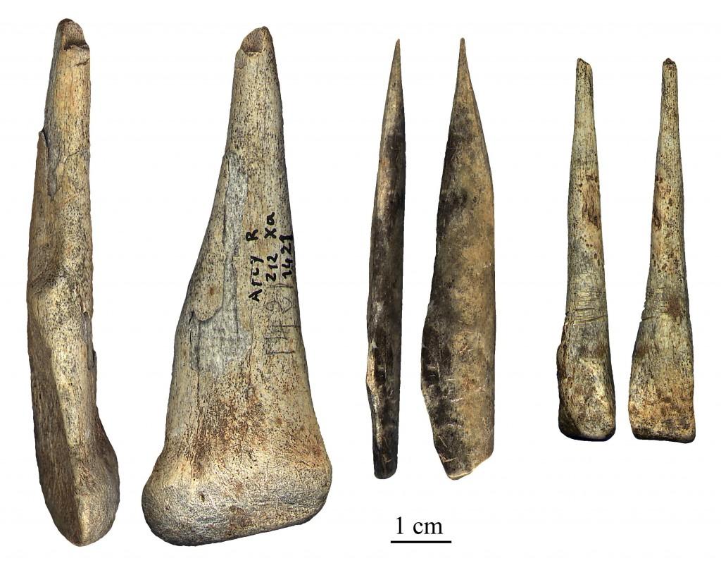 Los neandertales aprendieron de los sapiens cómo matar a distancia | Materia